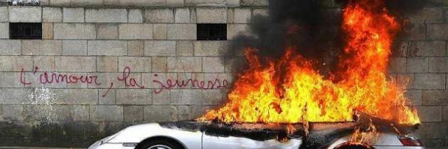 Une Porsche incendiée, un symbole plus fort qu'il n'y parait